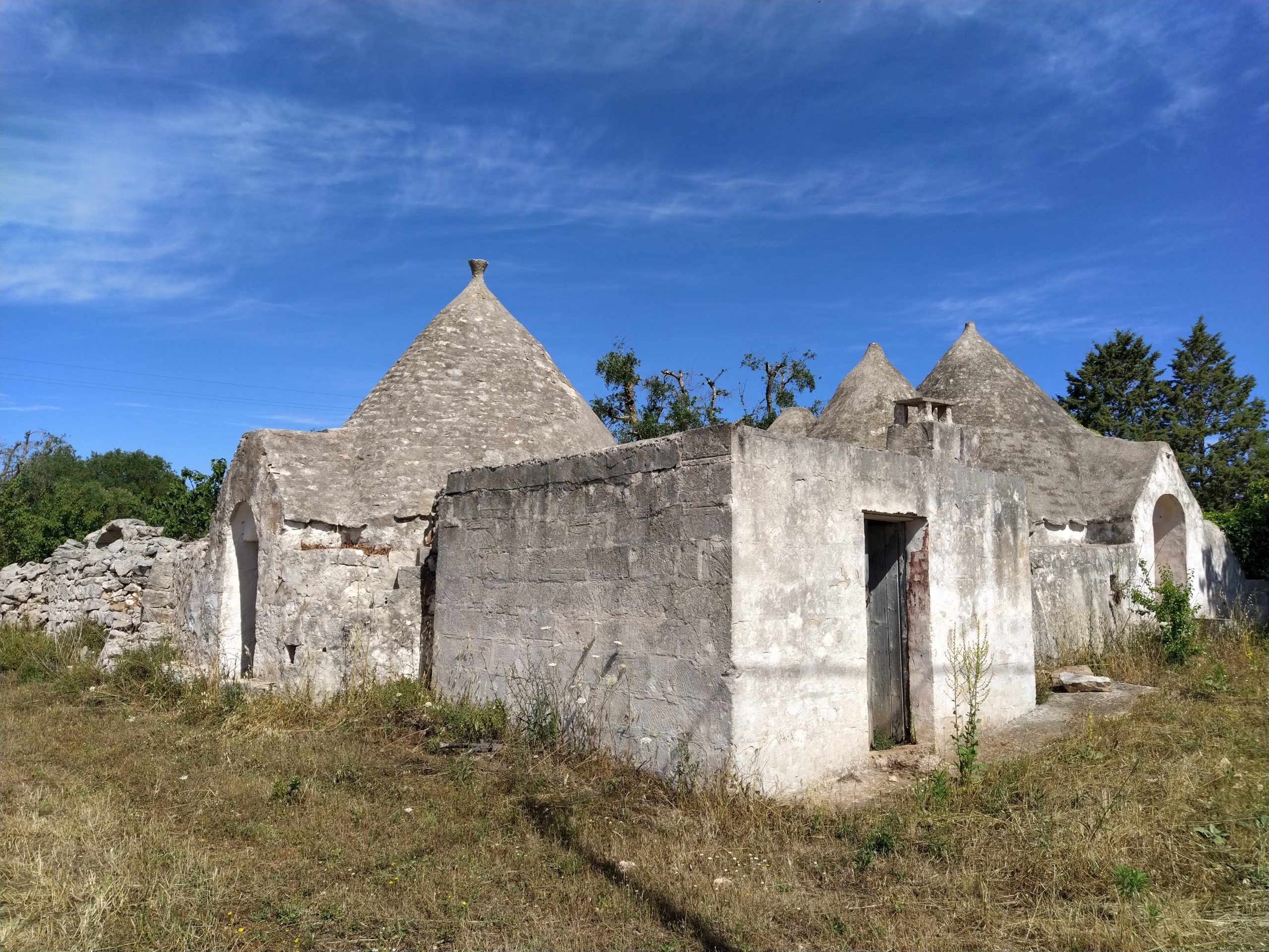 Trulli da ristrutturare in zona residenziale in Contrada Pisciacalze, Ceglie Messapica (BR)
