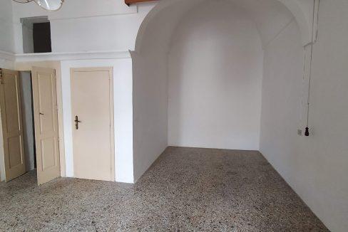 0433 casa indipendente in pietra in vendita a san michele salentino (11)