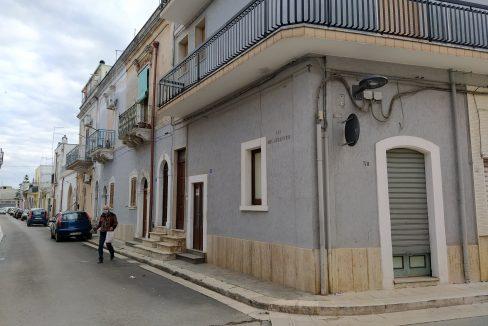 0433 casa indipendente in pietra in vendita a san michele salentino (27)