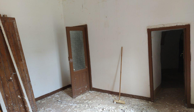 0462 trulli lamie e casali da ristrutturare e ampliare a ostuni terreni edificabili in vendita (10)