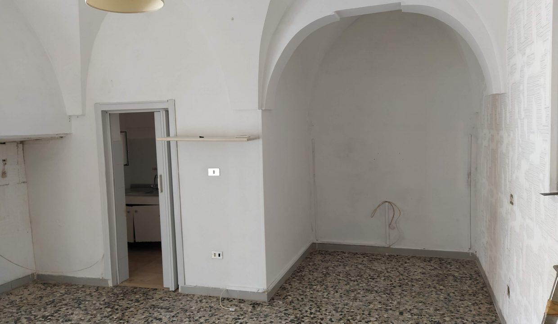 casa in vendita indipendente in pietra al piano terra abitabile a ceglie messapica valle d'itria (2)