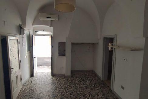 casa in vendita indipendente in pietra al piano terra abitabile a ceglie messapica valle d'itria (7)